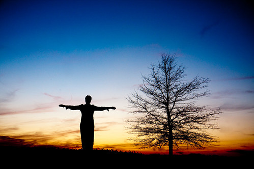 blue sunset orange woman tree silhouette lady cross inspiring canoneos40d canonefs1755mm28isusm