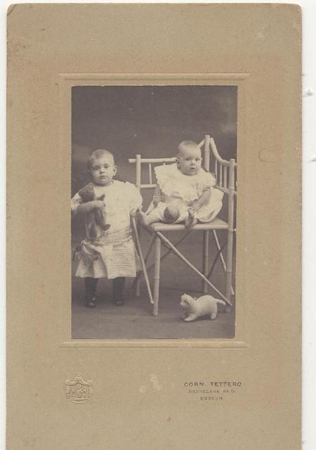 Alie en Nellie van Duin 1913