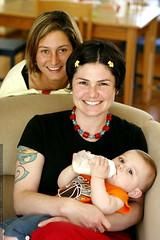 nadia, rachel, and baby sequoia    MG 0656
