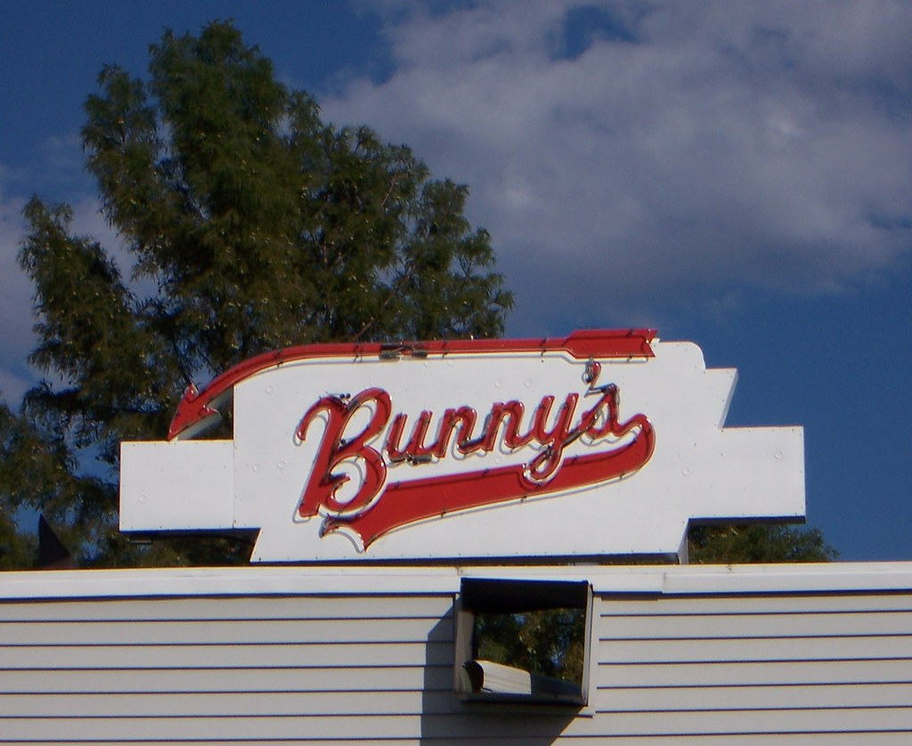 Urbana, IL Bunny's Tavern sign