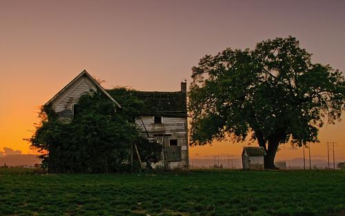 autumn sunset abandoned oregon farmhouse rural landscape evening twilight october decay hillsboro 2010