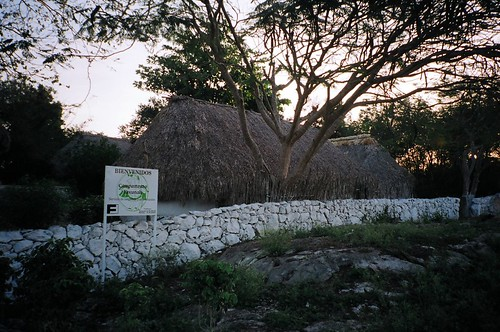 Campamento Yaxunah