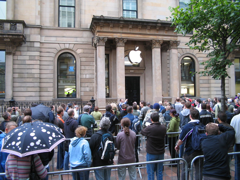 Apple Store Opening 1