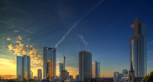 blue sky sun skyline clouds skyscraper sunrise contrail frankfurt aplusphoto superhearts colourartaward platinumheartaward dcdead