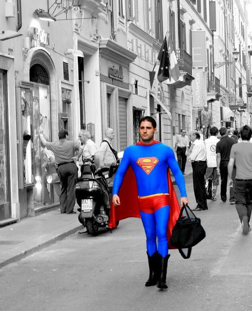 Dopo il lavoro, tutti a casa, anche Superman!