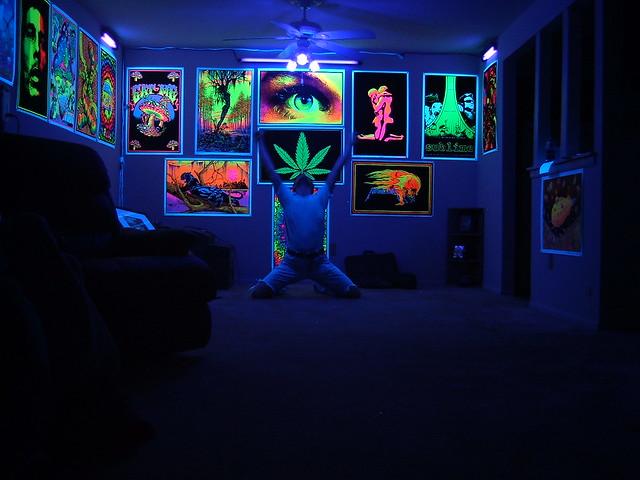 blacklight room flickr photo sharing
