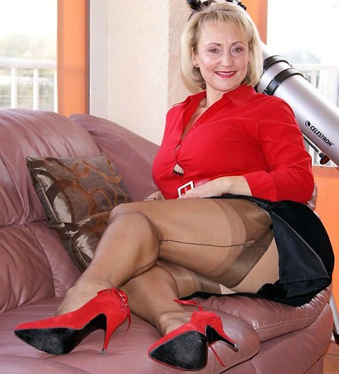 Mature In Brown Seamed Stockings