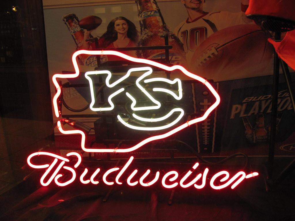 Kansas City Chiefs Neon Arrowhead Budweiser Sign Kc Mo Flickr