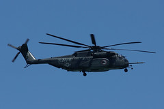 sikorsky s-70(0.0), air force(0.0), aircraft(1.0), aviation(1.0), helicopter rotor(1.0), black hawk(1.0), helicopter(1.0), vehicle(1.0), military helicopter(1.0),