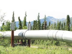 outdoor structure(0.0), mast(0.0), wind(0.0), pipeline transport(1.0), pipe(1.0),
