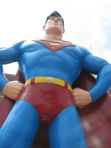 il supermanstatuemanofsteelmetropolis