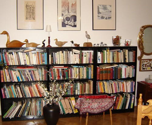 Kirjakaappi