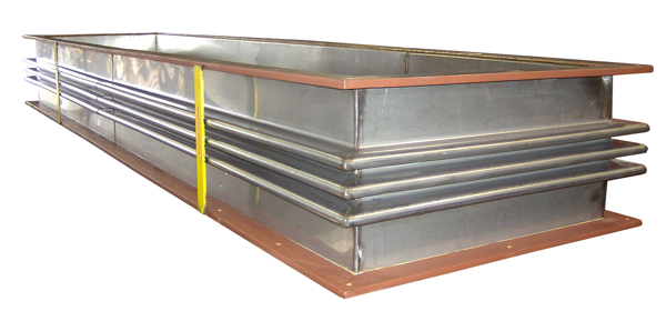 Quot long rectangular metallic expansion joint