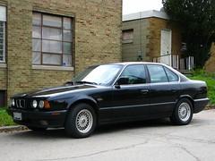 sports sedan(0.0), bmw 6 series (e24)(0.0), bmw 7 series(0.0), sports car(0.0), automobile(1.0), automotive exterior(1.0), executive car(1.0), wheel(1.0), vehicle(1.0), bmw 5 series(1.0), sedan(1.0), land vehicle(1.0), luxury vehicle(1.0),