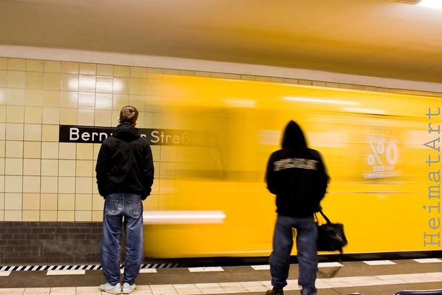 Einfahrt U8 at Bernauerstrasse
