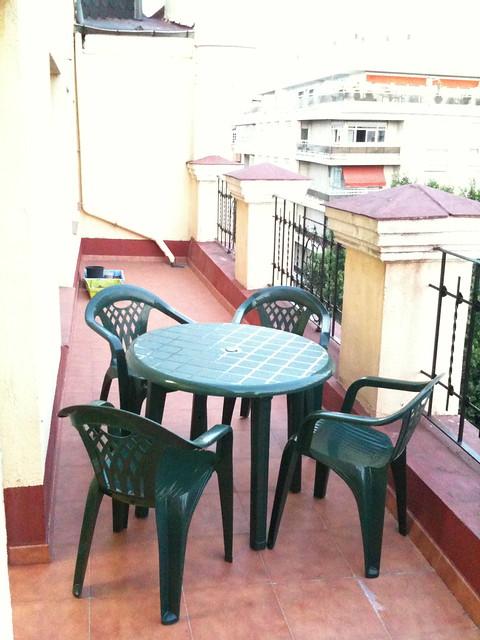Terraza con mesa y sillas verdes flickr photo sharing for Mesa y sillas terraza