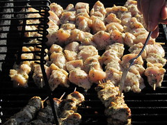 outdoor grill(1.0), roasting(1.0), grilling(1.0), barbecue(1.0), brochette(1.0), meat(1.0), churrasco food(1.0), food(1.0), dish(1.0), shashlik(1.0), yakitori(1.0), kebab(1.0), cuisine(1.0), barbecue grill(1.0), cooking(1.0), skewer(1.0), grilled food(1.0),