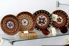 pine needle baskets for sale    MG 8065