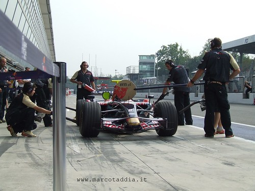 PitStop per Toro Rosso | by Marco Taddia' s Eye