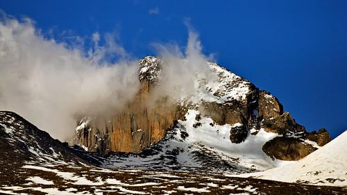 cloud mountain snow mountains nature clouds landscape nationalpark nikon colorado searchthebest nps peak bluesky alpine co rmnp 169 rockymountainnationalpark 2010 d300 longs 300f4 clff