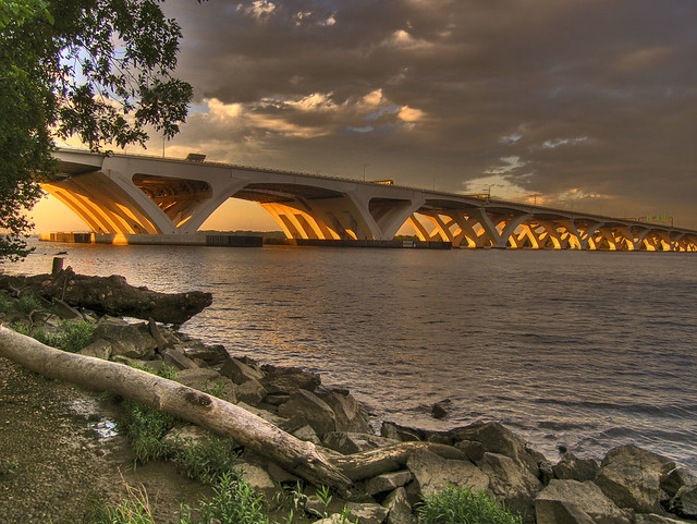 Underarch glow_HDR
