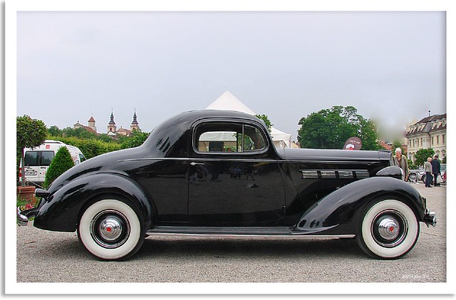 Photo:Retro Classics meets Barock 2010 in Ludwigsburg - Packard By:Barbara Müller-Walter