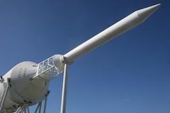 vehicle(0.0), mast(0.0), wind(0.0), street light(0.0), propeller(0.0), wind turbine(0.0), lighting(0.0), aircraft engine(0.0), machine(1.0), rocket(1.0),