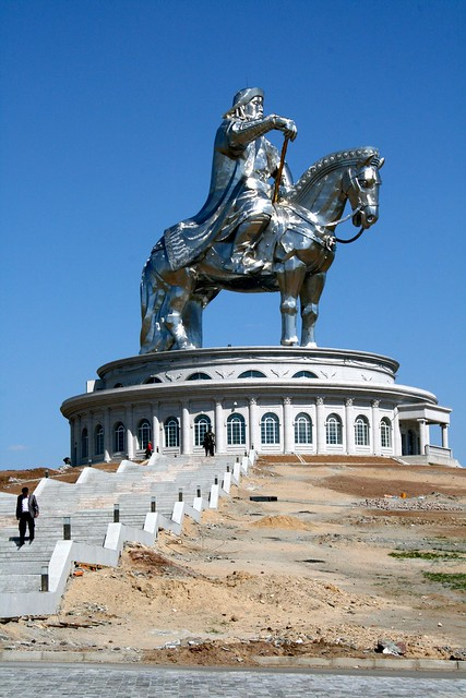 Genghis Khan statue by CC user frans16611 on Flickr