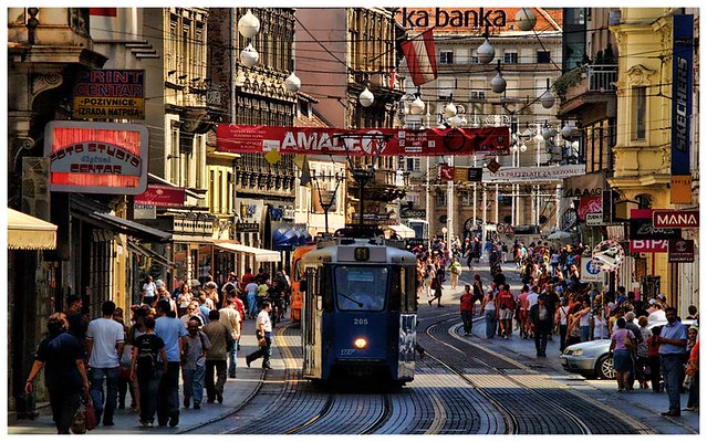 Streets and Streetcar in Zagreb - Flickr CC croacia_