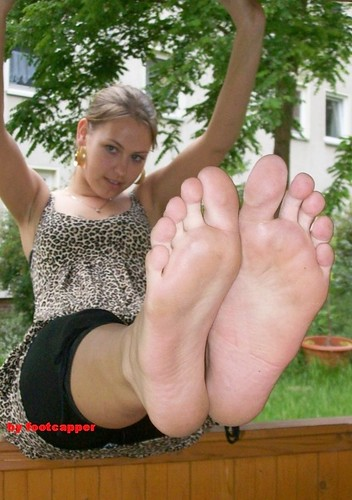 feet shots 014 by fcfoto1