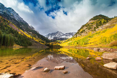 camera blue sky mountain reflection green water yellow clouds canon landscape eos cloudy dslr t2i