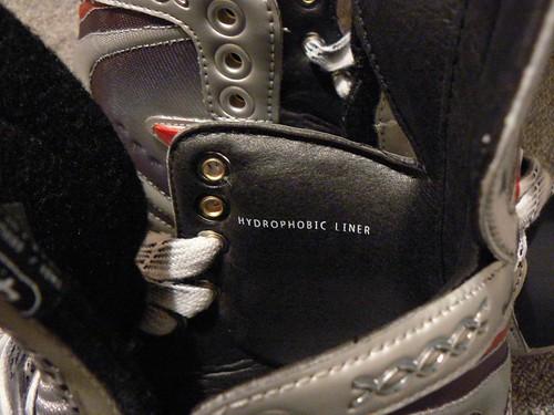20070628 Nike/Bauer Vapor XXXX: Hydrophobic Liner