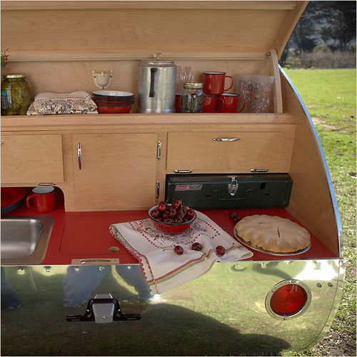 Recreational super vehicles i n f o r m a t i o n 2 s h for Teardrop camper kitchen ideas