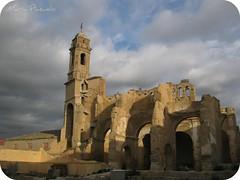 Luz sobre las ruinas