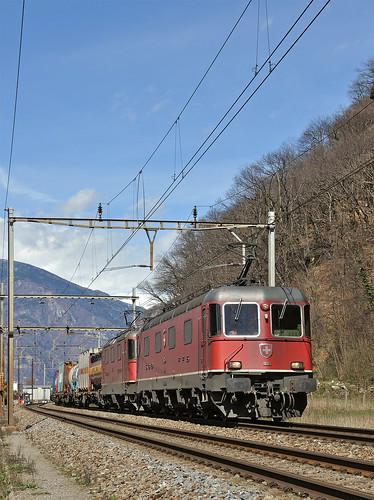 railroad switzerland ticino railway trains svizzera bahn mau freighttrain ferrovia treni gotthard re66 gottardo nikond90 guterzuge