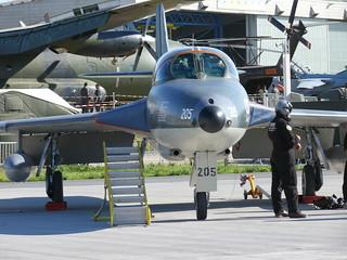 Hawker Hunter T68