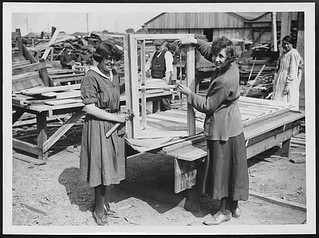 Constructing window frames for huts in France