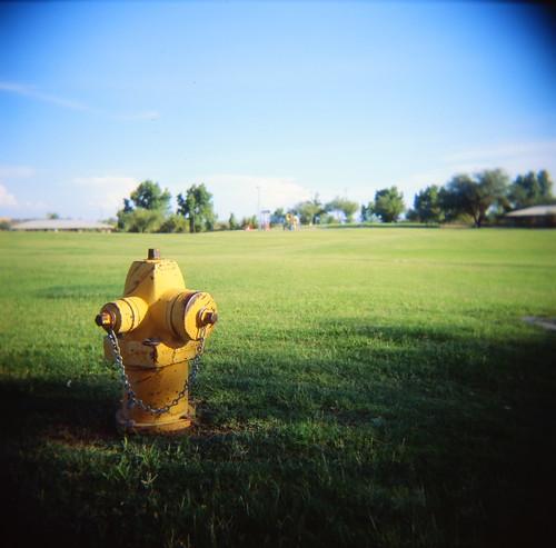 park 120 6x6 film mediumformat toy holga kodak slide firehydrant epson e6 vignette 120n push1stop e100g v700 whickus