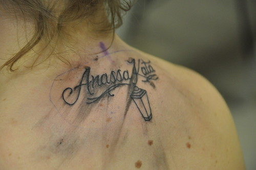 This is tattoo 25 prepossessing tattoo kissing lips for Fish vagina tattoo