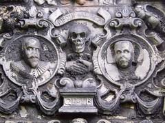 Cemeteries, graveyards, tombs & memorials