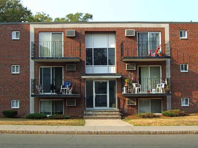 Gentil Three Floor Brick Apartment Building Flickr Photo Sharing