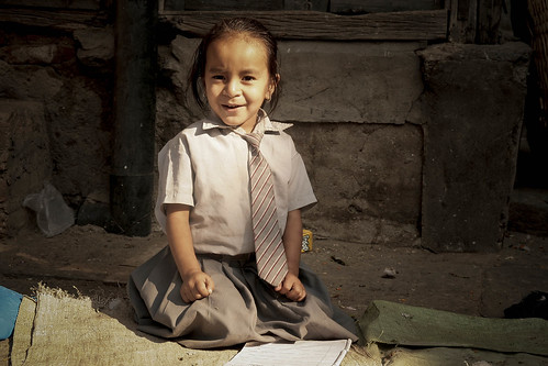 nepal smile children uniform child bambini kathmandu sorriso 2008 bambina divisa theunforgettablepictures concordians nepalbaba