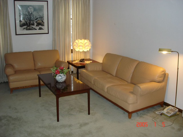 Dsc01591 living room peach color leather sofa and love - Peach color for living room ...