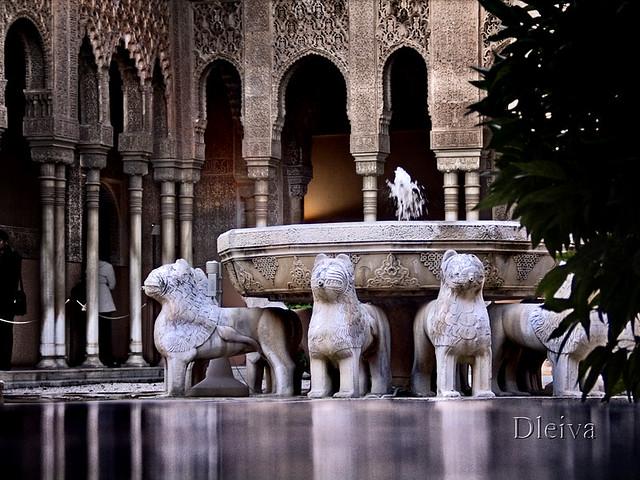 Patio de los leones la alhambra granada flickr photo - Patios de granada ...