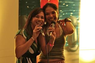 YELLOW magazine karaoke