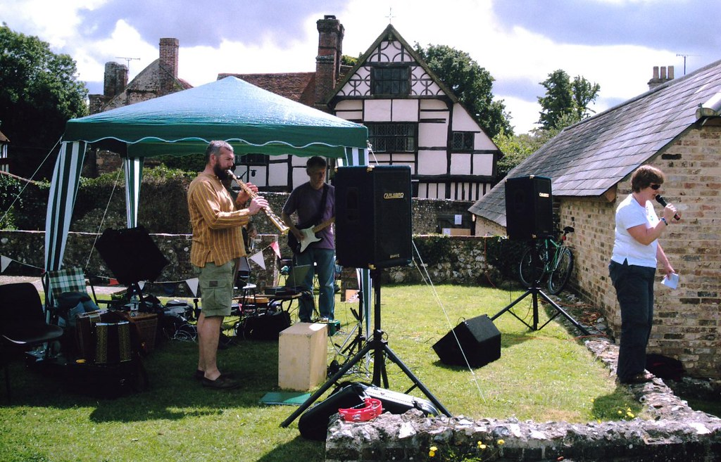 Ditchling gig Summer Fete at St. Margaret's, Ditchling Sussex. D.Allen Vivitar 5199 5mp