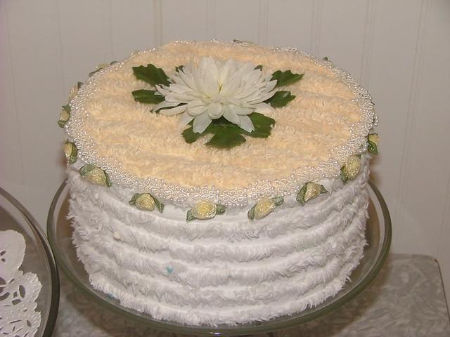 Vintage chenille cake lazy daisy