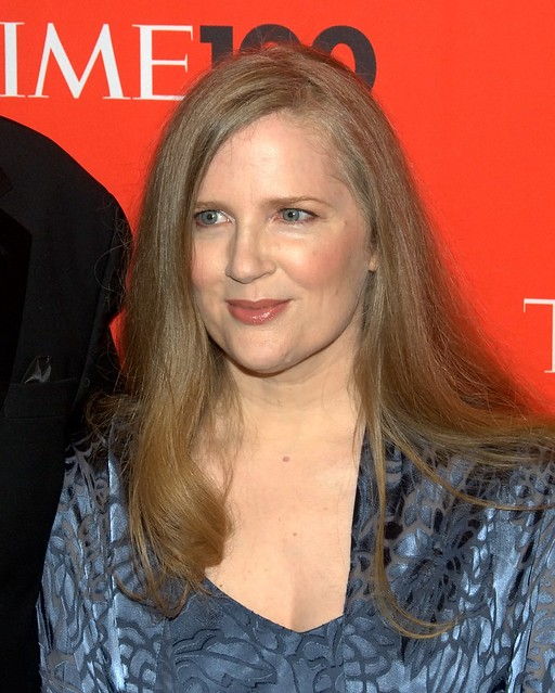 suzanne collins Suzanne collins, writer: the hunger games suzanne collins is an american television writer and novelist, author of the bestselling series the underland chronicles and the wildly successful hunger games trilogy that spawned the lionsgate film the hunger games (2012) and the three subsequently announced sequels, the hunger games: catching fire (2013), the hunger games: mockingjay - part 1 (.