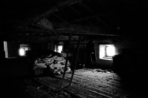 je voudrais un grenier le blog de juillet58 edwige. Black Bedroom Furniture Sets. Home Design Ideas
