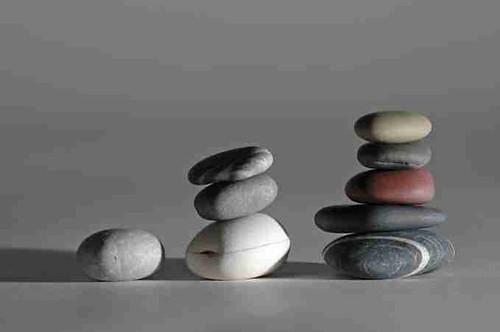 stones pyramids strategy